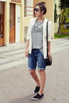 Cool-Bermuda-Shorts-Outfits