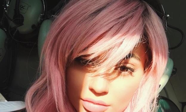 Kylie Jenner color del pelo 18