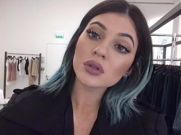 color de pelo Kylie Jenner 7