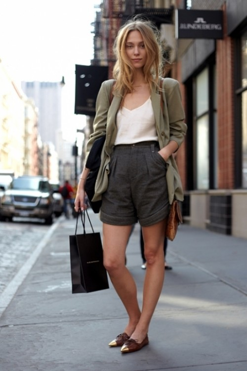 Gorgeous-Bermuda-Shorts-Outfits-For-Summer
