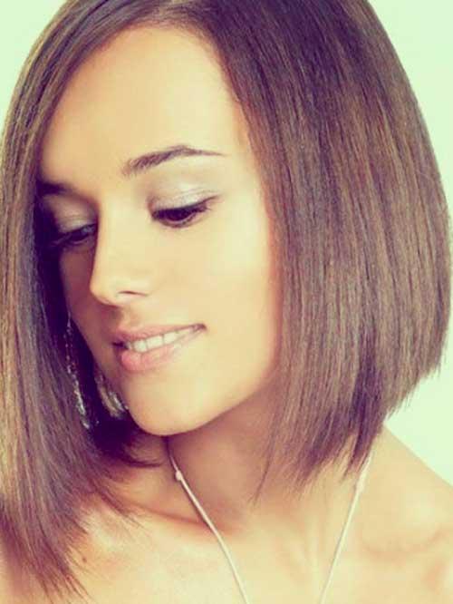 cabello lacio corto con flequillo largo