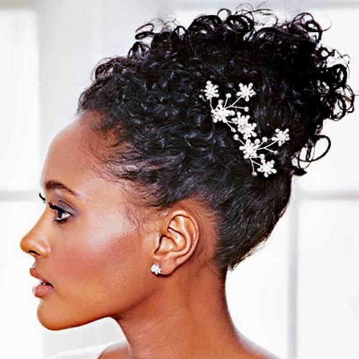 peinados-de-novia-con-pelo-rizado-5