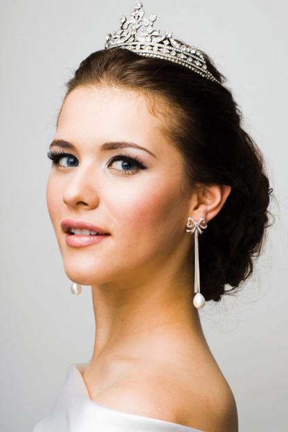 penteados-para-noivas-com-tiara-5