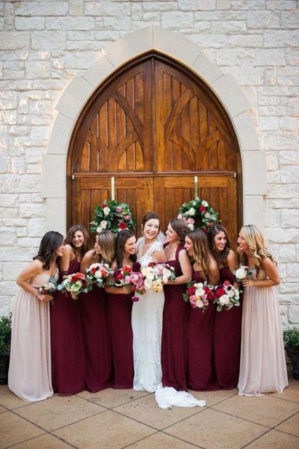 vestidos de dama de Marsala para una boda elegante
