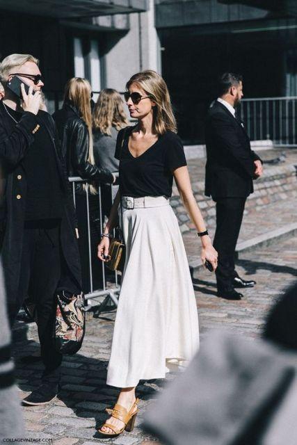 falda de Midi con la camisa negro