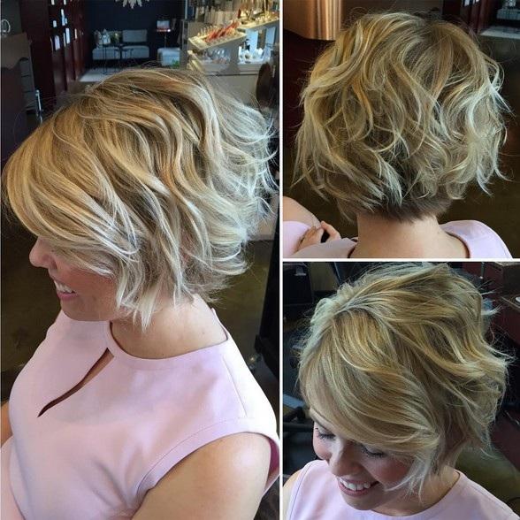 el cabello-mediados de longitud-ondules-10