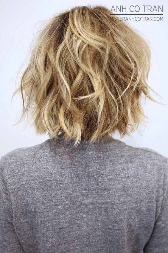 el cabello-mediados de longitud-ondules-1