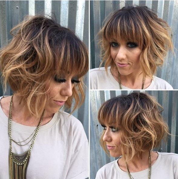 el cabello-mediados de longitud-ondules-14