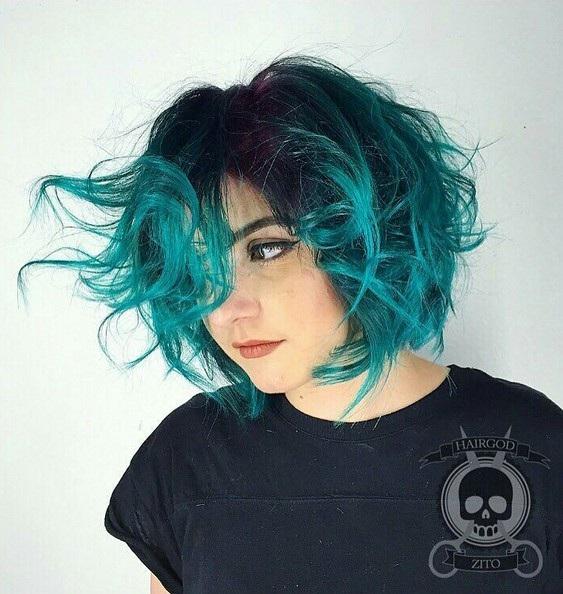 el cabello-mediados de longitud-ondules-15