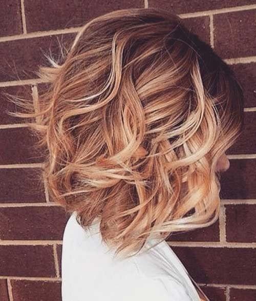 el cabello-mediados de longitud-ondules-3