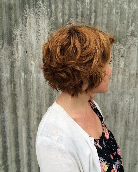el cabello-mediados de longitud-ondules-9