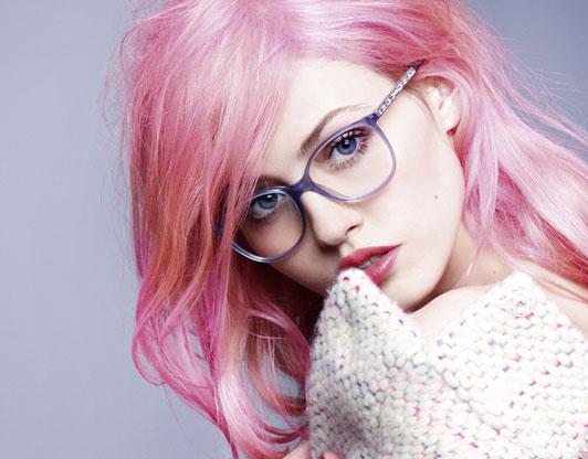 charlotte free-chanel-gafas-de la campaña-la-moda-y-el-pub