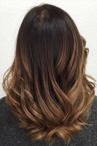 el cabello-mediados de longitud-17
