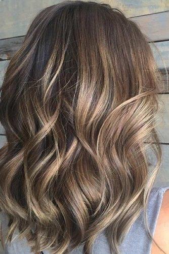 el cabello-mediados de longitud-19
