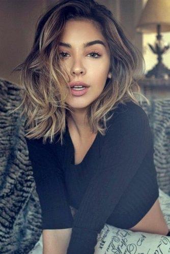 el cabello-mediados de longitud-7