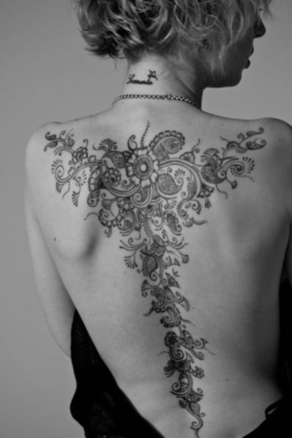 40 Back Tattoo Ideas for Girls 12