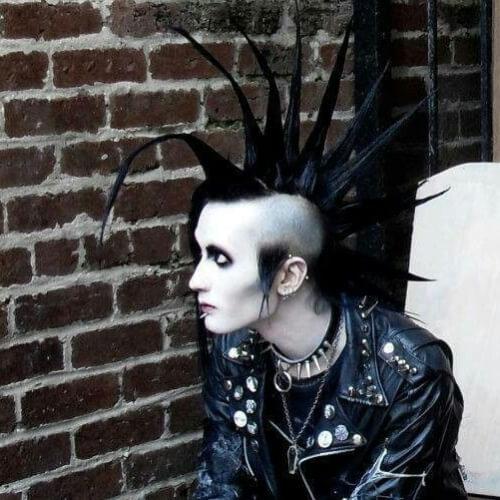 La Muerte De Halcón Peinados