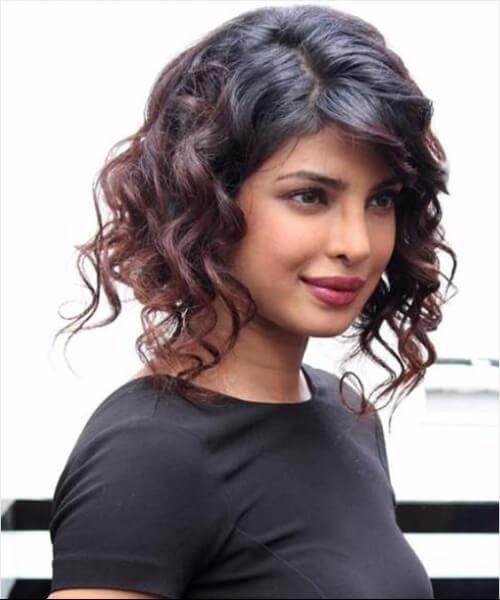 Priyanka Chopra bob asimétrico