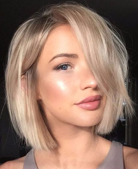 beige rubia bob cortes de pelo corto para el cabello grueso