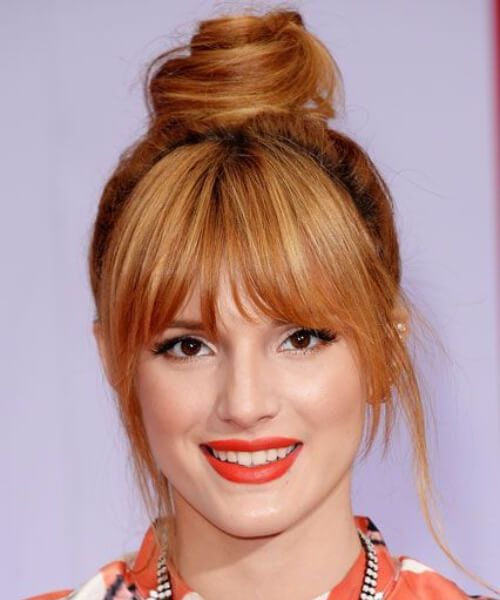 bella thorne, de pelo largo con flequillo