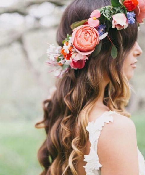 bohemio jardín peinados de boda para el pelo largo