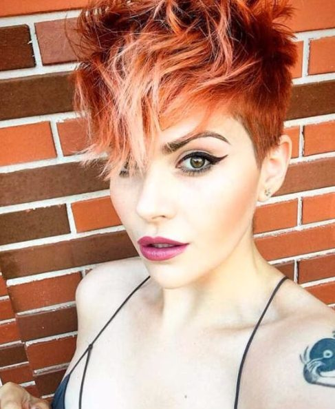 castaño rojo pixie balayage el pelo corto