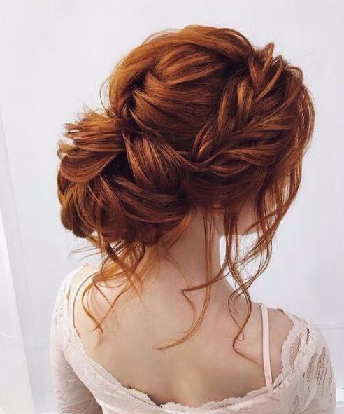 desordenado cola de pescado bun peinados de boda para el pelo largo