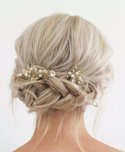 diamantes de imitación de la boda peinados para el pelo largo