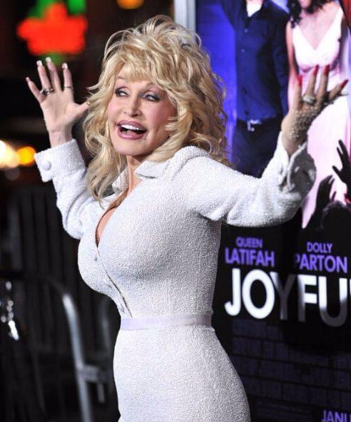 dolly parton peinados para mujeres mayores de 60 años