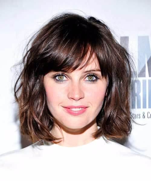 felicity jones corto hairsyles para el cabello grueso