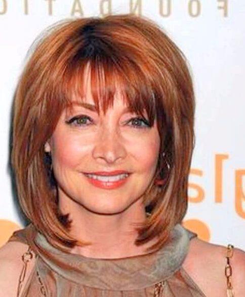 longitud media de peinados para mujeres mayores de 60 años