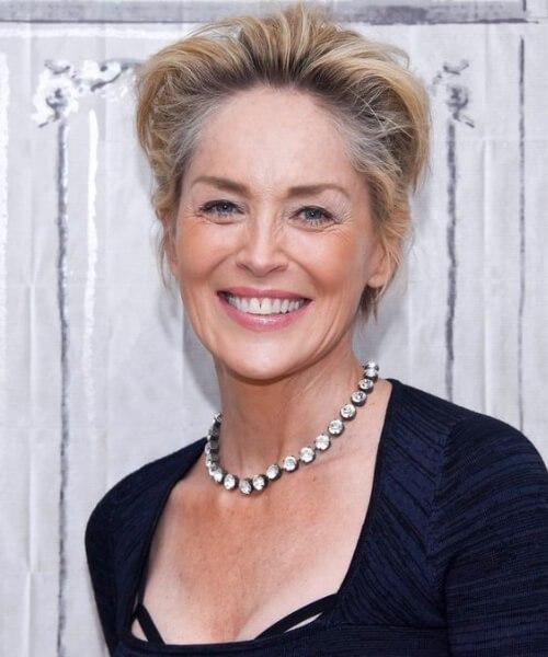 sharon stone peinados para mujeres mayores de 60 años