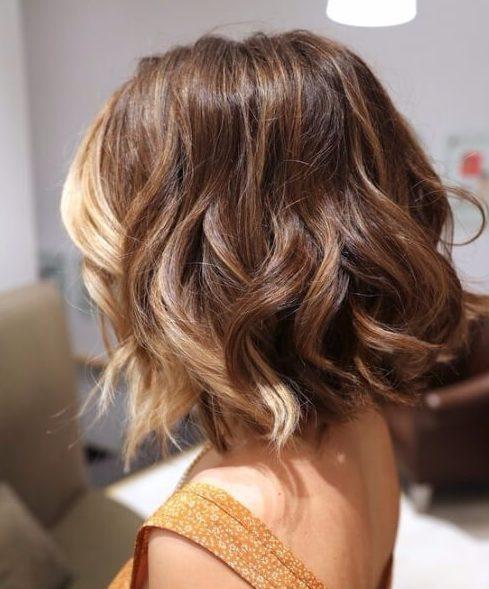vainilla racha de pelo corto ombre