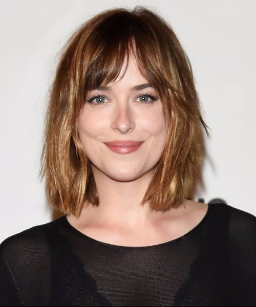 dakota johnson pelo corto con flequillo