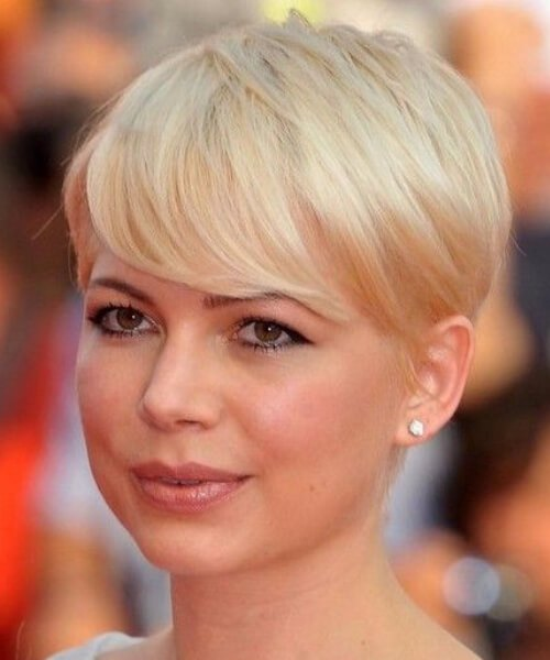 michelle williams pelo corto con flequillo