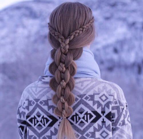 Holandés de encaje trenzas en un intrincado cinco strand braid peinados para el pelo largo