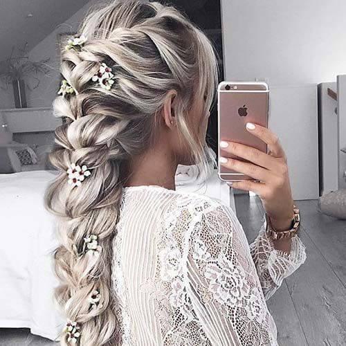 cereza flores trenza peinados para el pelo largo