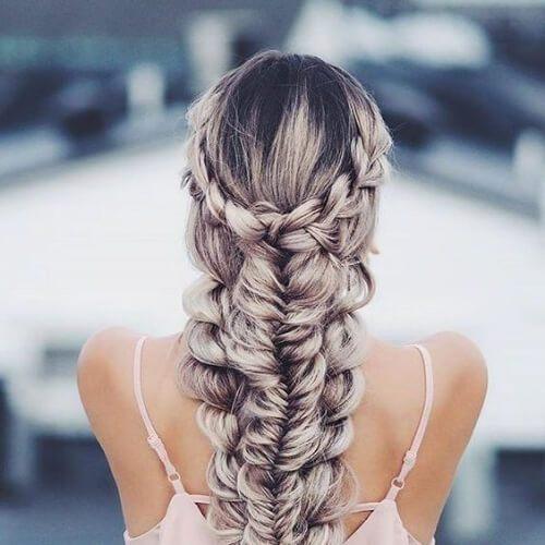 cola de pescado en otra trenza peinados para el pelo largo