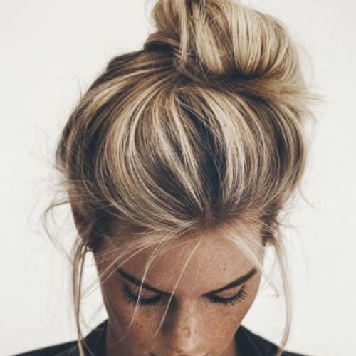 messy-bun-blonde-hairstyles