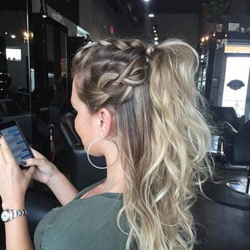 la mitad de la mitad hacia abajo de la trenza peinados para el pelo largo