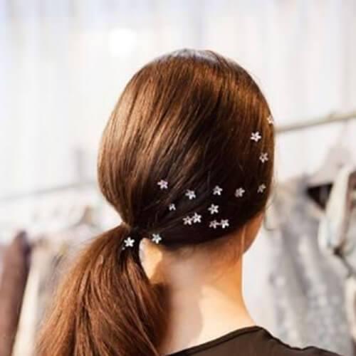 lado de la cola de caballo fresco peinados para niñas