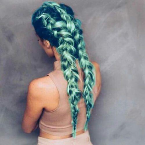 verde metálico trenza peinados para el pelo largo