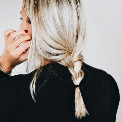 suelta la trenza rubia peinados