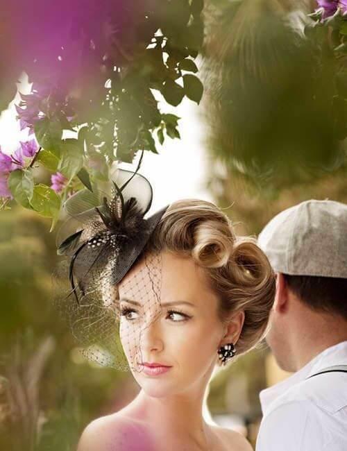 peinados de damas de honor de moda vintage