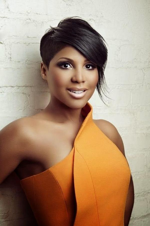peinados cortos para mujeres negras 25