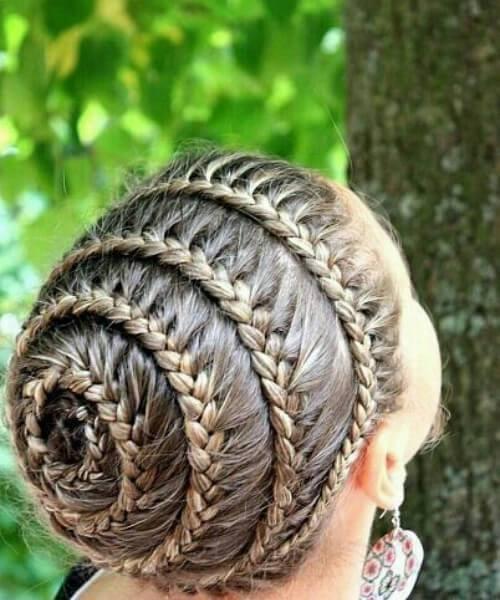 Escuela de peinados de niña