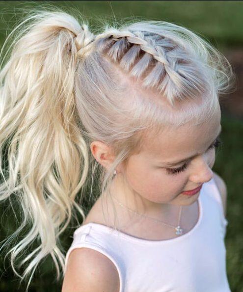 pequeños peinados de trenza francesa