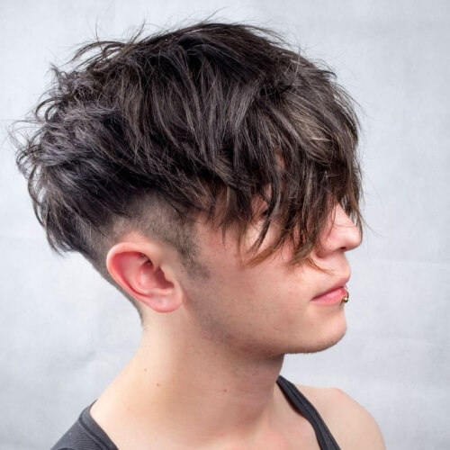 Peinado con textura de corte bajo para hombres