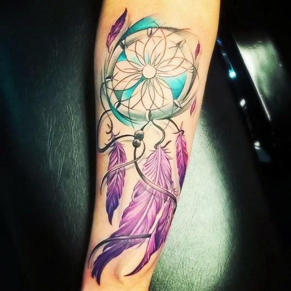Tatuajes de atrapasueños de colores.