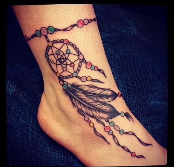 Tatuajes de Dreamcatcher en el tobillo.